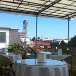 Терраса отеля где завтрак и вкусный кофе