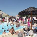 Piscine Exterieure mais il y a aussi une super piscine intérieure avec un spas!!