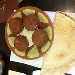 Falafel and Hoummus