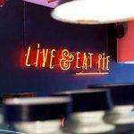 Live & eat pie neon