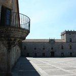 Cambados - ''Praza de Fefiñáns'' - Bodegas del Castillo de Fefiñanes en el ''Pazo de Fefiñáns''