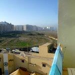 blick vom balkon, hotelrückseite