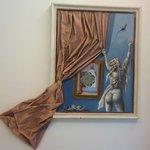 ... all'interno dell'area benessere degli originalissimi quadri ...