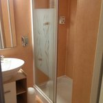 Sdb avec douche wc