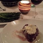 fillet mignon with roasted asparagus