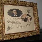 Cuadro con Don Manuel de Falla y García Lorca sobre el piano que rozaron sus dedos