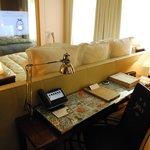 ジャンコクトーの寝室をイメージした部屋
