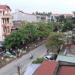 Вид с верхней террасы отеля на окрестности