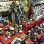 Natale....tempo di presepe!!!! All'interno del negozio tanti presepi a disposizione tutto l'anno