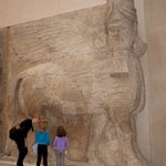 Describing the Mesopotamian Art are and the significance of carvings.