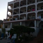 Отель вид со стороны пляжа