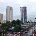 Вид с балкончика на сторону пляжа