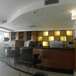 Sea Net Hotel: Sullen receptionist is hiding!