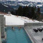 Открытый бассейн с минеральными термальными источниками