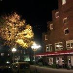 Hotel mit  Abendbeleuchtung...