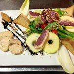 La salade Festino, un Foie gras français préparé maison, avec ses magrets fumés !