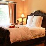 Amber Mini-suite