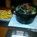 Moules in curry sauce with frites