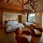 The Royal Oak Tetbury photo c. Allan Pollock-Morris - The Oak Lodge