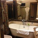 1st room (Bathroom and Tub)