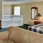 King Jacuzzi Guestroom