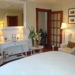 Voici notre chambre! La Marquise! Très belle chambre!