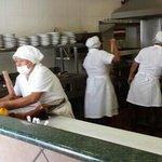 super ckean open kitchen @ LA CHATA