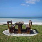 tavolo sull'oceano