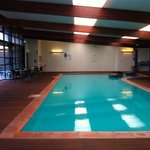 Pleasant pool & spa ideal for relaxation but no chance of dozing off with that raucous sound !