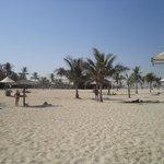 Пляж в парке Аль Мамзар