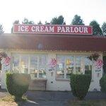 Ancaster Dairy Ice Cream Parlour