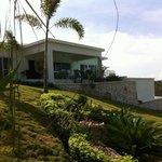 Villa Pampa vue de l'allée