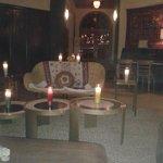 El Lobby de noche.