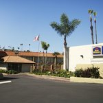 Our open hotel exterior allows you to enjoy the infamous CA sunshine.