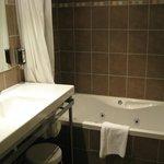 jet tub-very nice bathroom