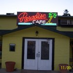 Tommy's Paradise Bar & Grill