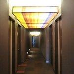 廊下(レインボーカラー)
