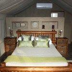 Bateleur Tented Safari Lodge