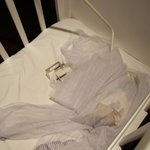 Moustiquaire effondrée dans le berceau de ma fille