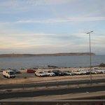 Balcon coté mer, donc sur la route du ferry
