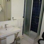 Vue de la salle de bain - Chambre n°8