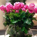 Цветы в холле