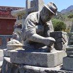 Cilaos statue