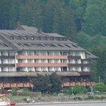 отель, вид с озера