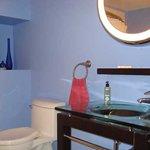 Morning Breeze room bathroom