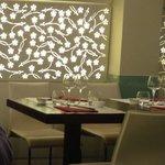Tavoli interni e parere decorata