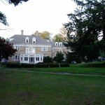 Front of Kane Manor