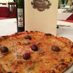my pizza...delicious