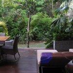 Terrasse de la villa jardin