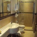 Baño habitación Hotel de la Pace